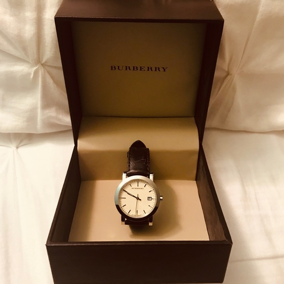 Burberry Other - Burberry Men's brown leather band watch